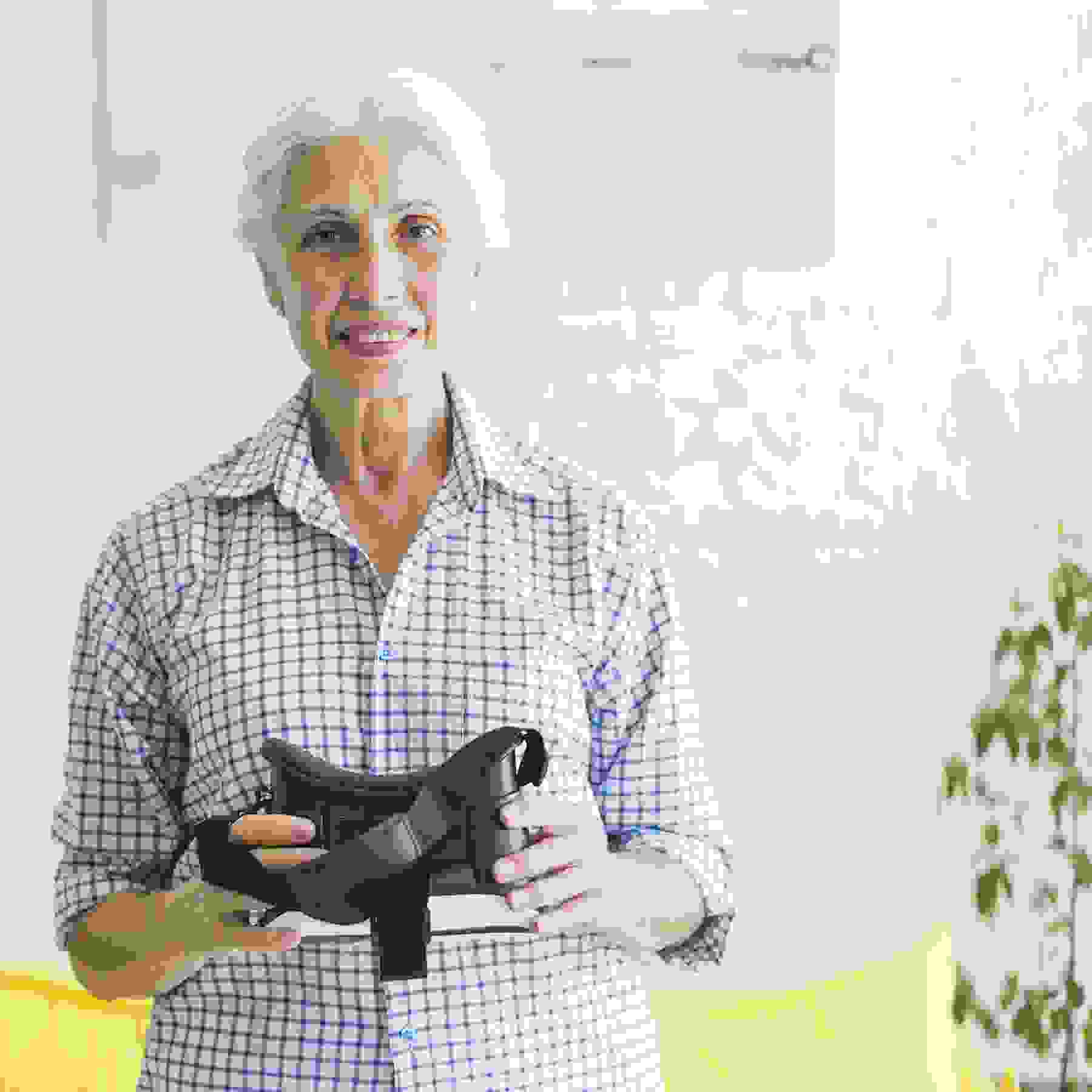 Virtual reality, a therapeutic tool for the elderly